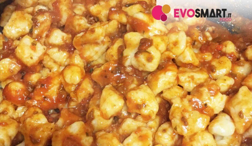 Ricetta Gnocchi In Casa.Gnocchi Di Patate Fatti In Casa Ecco La Ricetta Evofood It