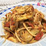 Un buon primo piatto di spaghetti con i carciofi