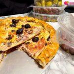 Torta salata con olive nere Ficacci, prosciutto cotto e cavolfiori